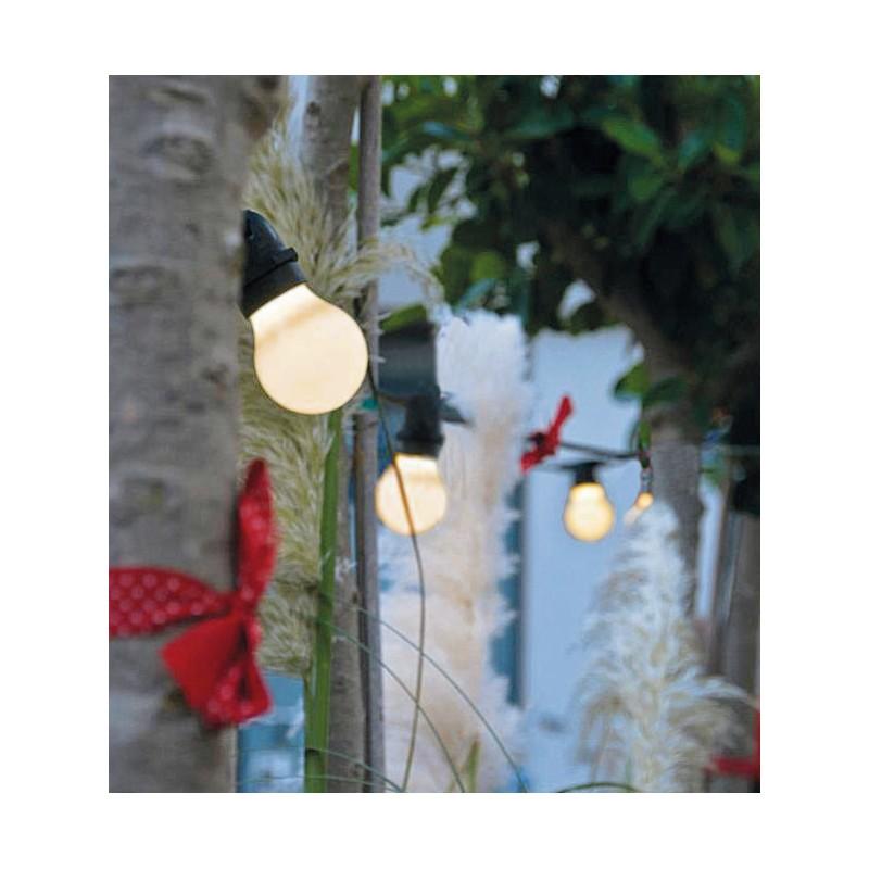 Guirlande lumineuse bella vista marque seletti lampe tendance for Luminaire exterieur guirlande