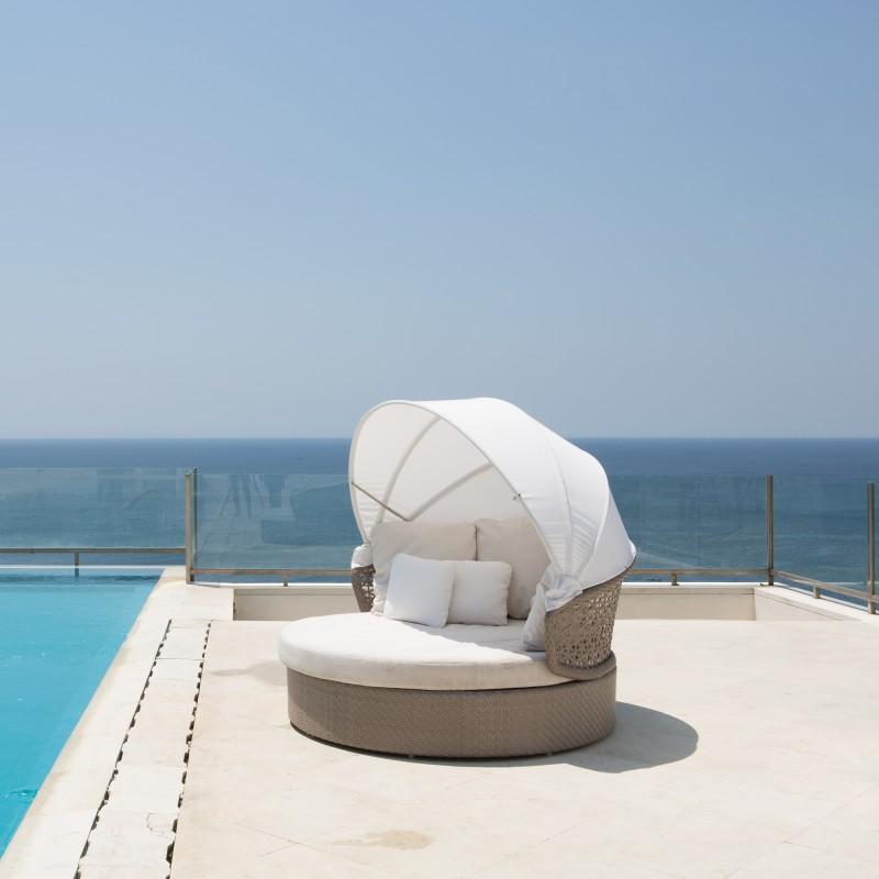 lit d 39 ext rieur daybed design mobilier d 39 exception sky line. Black Bedroom Furniture Sets. Home Design Ideas