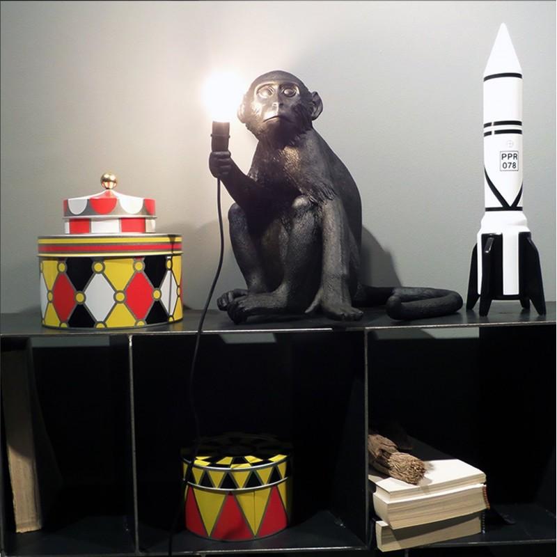 lampe monkey assis ext rieur nouveaut seletti. Black Bedroom Furniture Sets. Home Design Ideas